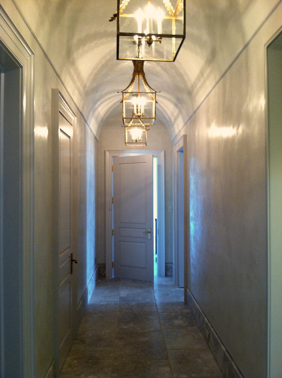 Greenwich Waterfront - Barreled ceiling, Carrara Venetian